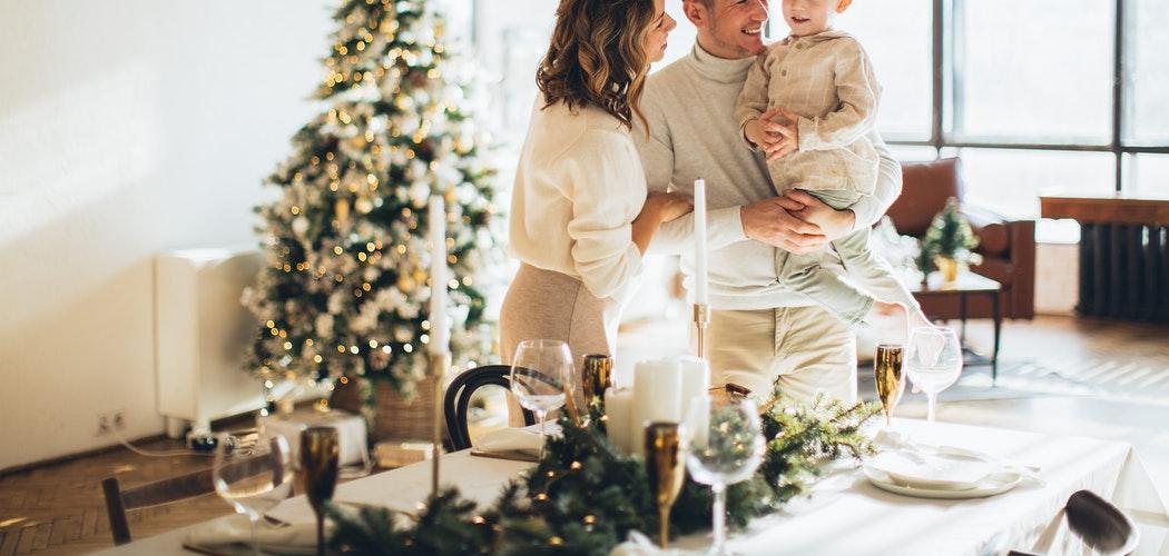 Inspirasi Pakaian Pria Nuansa Natal